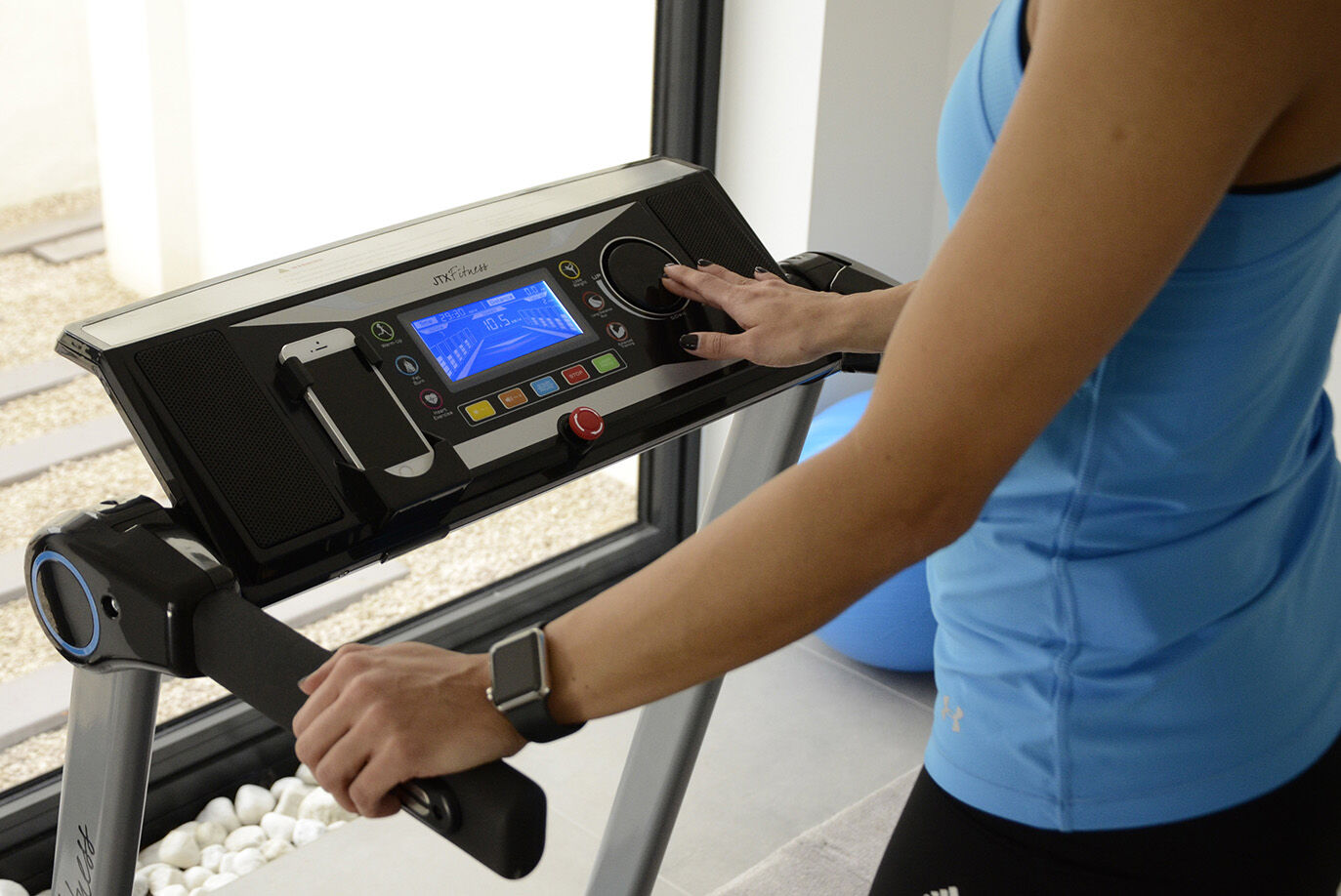 Small Treadmill with DISCTECH™ controls