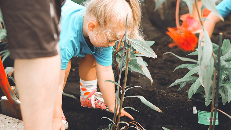 Keep fit with kids - Gardening