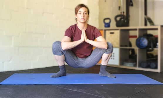 Lower back stretches - Deep squat